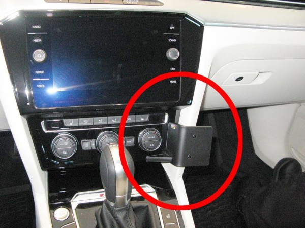 Brodit ProClip - VW Passat Alltrack - Bj. 16-20 - Angled Mount - 855401