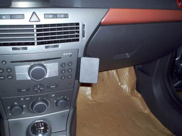 Brodit ProClip - Opel Astra - Bj. 04-09 - Angled Mount - 853441